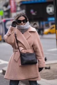 Hannah Crosskey wearing Genevieve Sweeney AW16 scarf in NYFW16